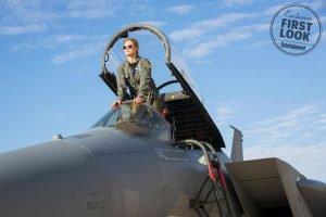 Carol Danvers em avião